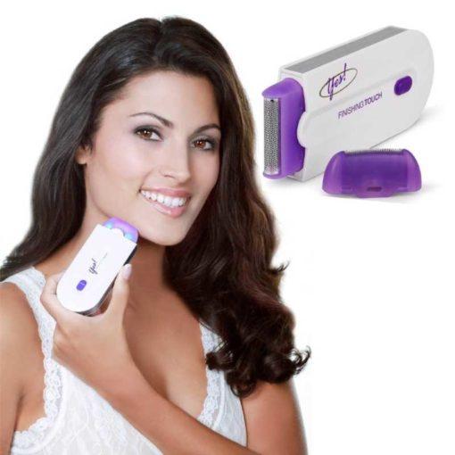 Mujer con Depiladora de Vello Portátil con Luz Yes! Finishing Touch Color Blanco