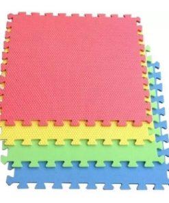 Tapete alfombra armable de 4 piezas diferentes colores fomix sin diseño mega bahía